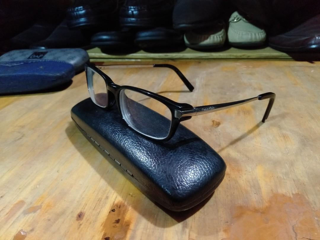 Kacamata merk Calvin klein original