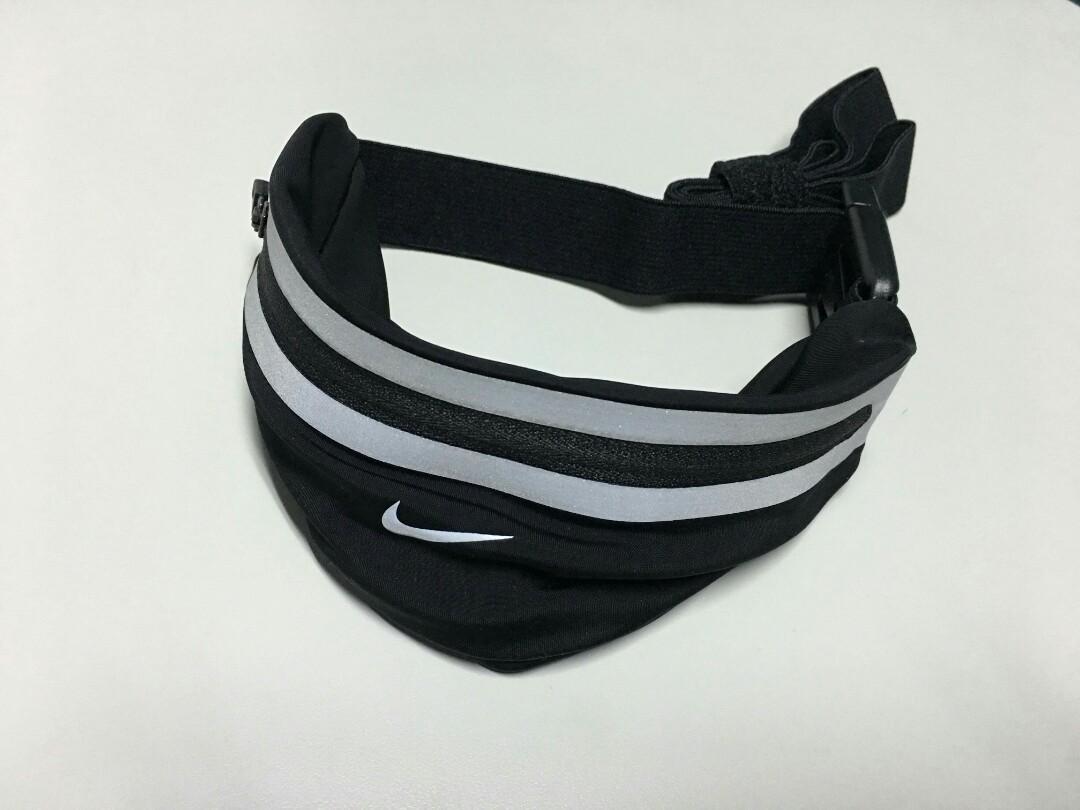 best loved 6019c 7c556 Nike Running Lean Waist Pack on Carousell