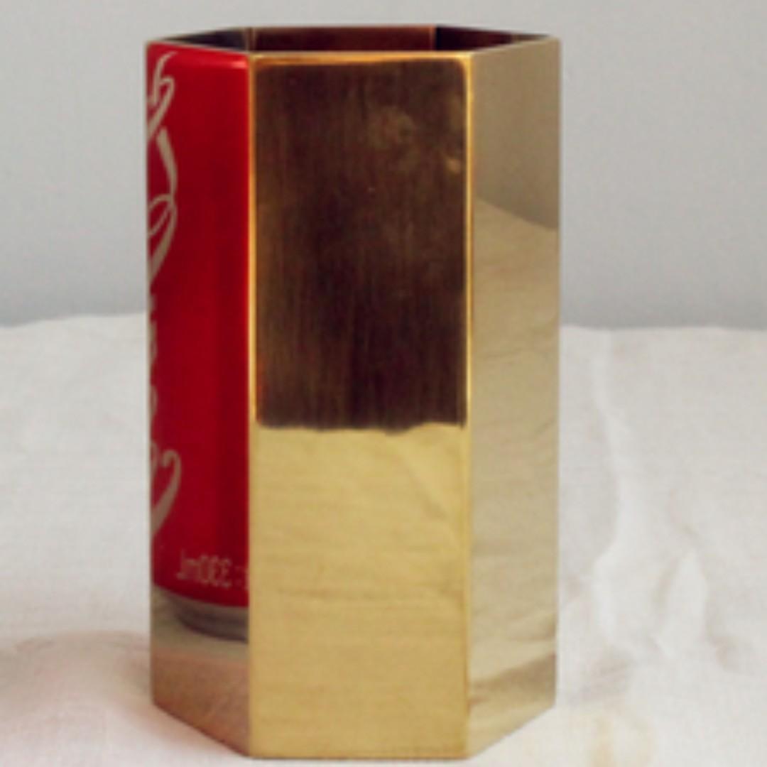 RENTAL: D199 GOLD HEXAGON DESEERT CONTAINER