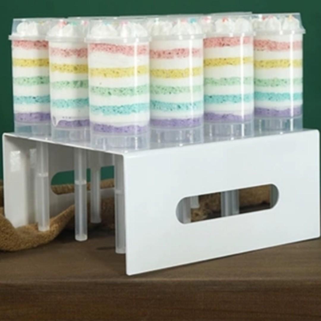 RENTAL: D97I WHITE CAKE PUSH/POP STAND