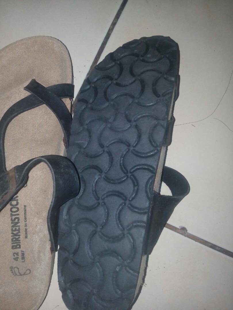 Sandal pria birkenstok