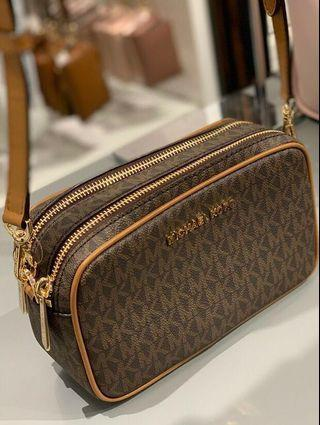 (INSTOCK)Sales! Authentic MK Michael Kors Connie Sling Double Zipped Crossbody Camera Bag