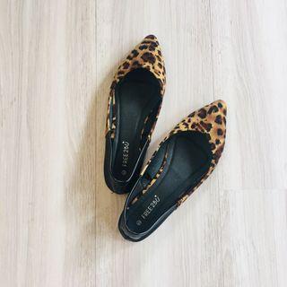 二手近新❤️38號歐美豹紋軟皮質拼接平底鞋