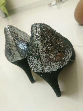 Glitter Black Pointed Heels