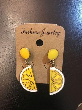 🚚 Brand new Lemon Earrings