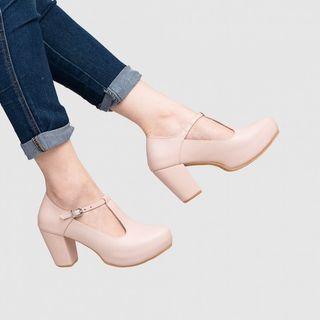SALE sepatu Adorable project