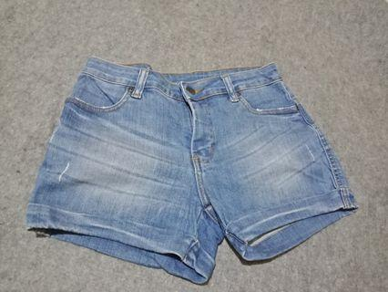 Hotpants merk DUST preloved