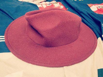🚚 酒紅帽