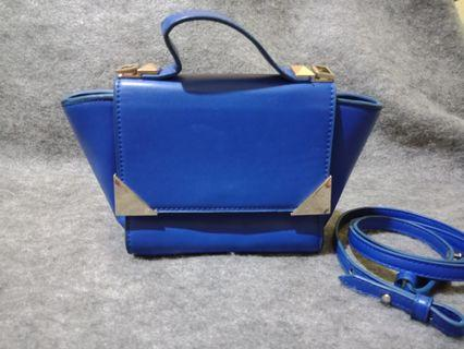 Tas sling bag Charles & Keith