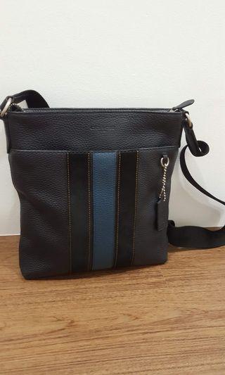 coach sling bag 100% aunthentic