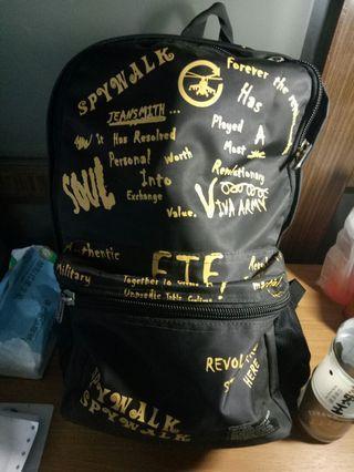 黑黃後背包