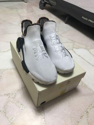 🚚 (Steal Of The Day)Human Race Inspiration Pack White US 9.5/UK 9