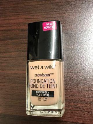 🚚 Wet N Wild Photo Focus Foundation 底妝 粉底