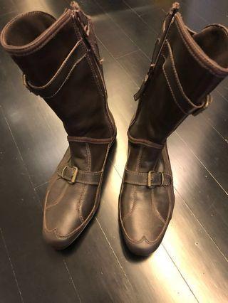 🚚 Brand new Maroon Puma Boots