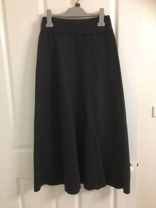 Small Zara knit midi skirt