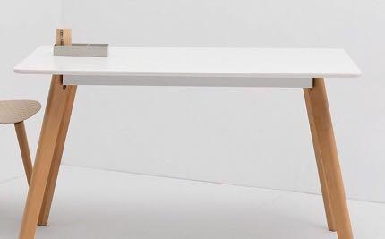 簡約白色實木餐桌(清貨價📣!)(萬勿錯過!)