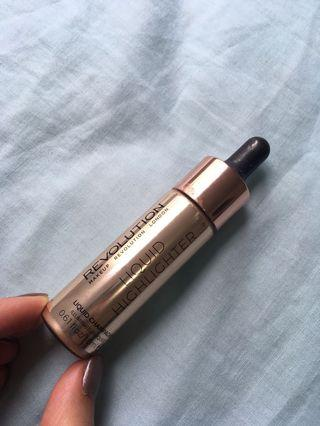 Revolution Liquid Highlighter in Liquid Champagne