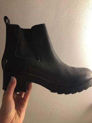 BOOTS (barely worn) Windsor Smith ALITA