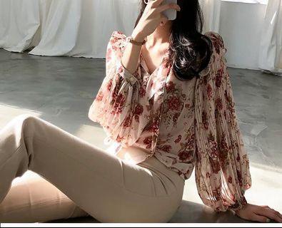 🚚 粉色碎花浪漫荷葉邊燈籠袖雪紡衫