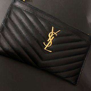 🚚 YSL Saint Lauren  新款荔枝皮黑色人字紋 金色Logo扁長夾  9.8成新只使用過一次 附盒子