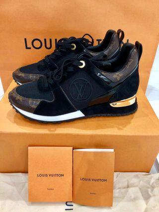 sports shoes 9b6b2 b91af Louis Vuitton Run Away sneaker size 37