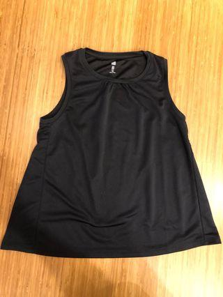 UNIQLO Dry Ex Black Sleeveless Top size 150cm fitting 12 to 14 years old