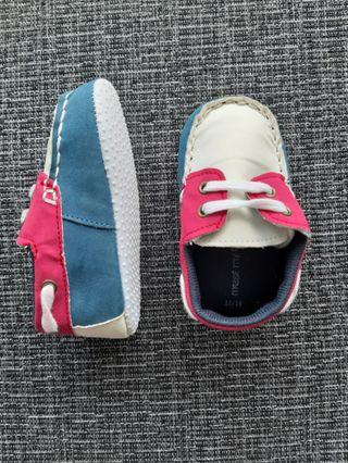Baby shoes (boat shoes style)