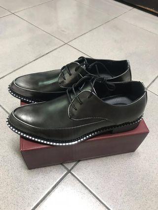 全新男生皮鞋