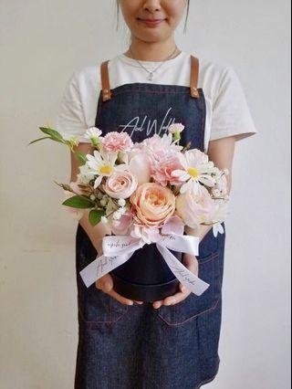 送禮/自用 粉紅色花盒 💗💐