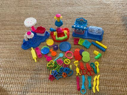 🚚 3 Play-Doh sets