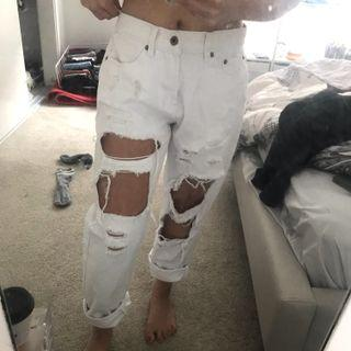 Baggy White Ripped Jeans Size 8