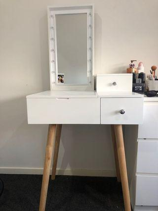 Table and vanity mirror