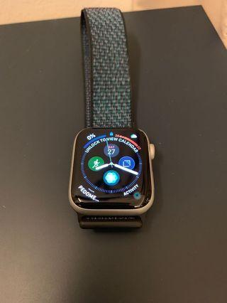 Apple Watch Series 4 - 44mm Silver Aluminium with hyper grape strap