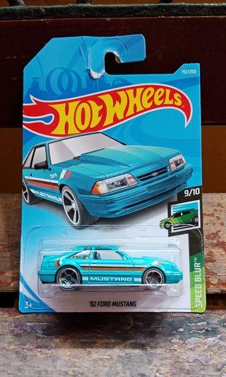 Hot Wheels - '92 Ford Mustang