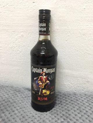 Captain Morgan Dark Rum 0.7L