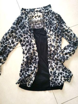 Leopard print shirt woth undertop size S