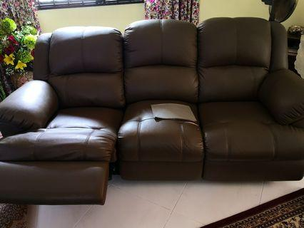 🚚 Leather Recliner Sofa