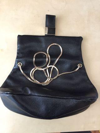 🚚 Petite sling bag