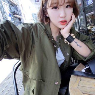 🚚 ✨新品現貨✨韓版早春薄款軍綠風衣 大衣