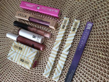 Lipliners & Lipsticks
