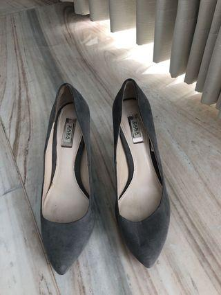 Zara grey pumps