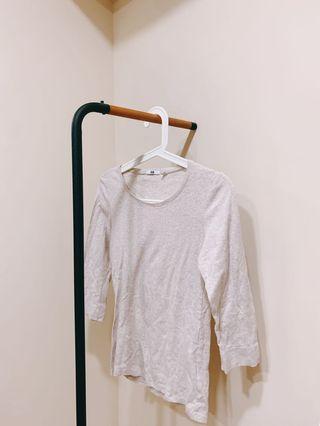 🚚 Uniqlo米色 棉質 上衣 舒適 親膚 柔軟 百搭 實穿 夏天 秋天 短袖 七分袖