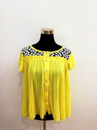 Sunny lace button-down flowy top #OYOHOTEL