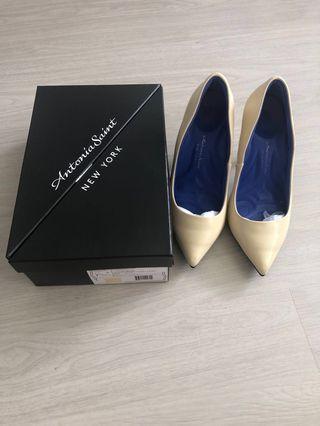 🚚 Antonia Saint Ergonomic Nude Leather Heels US7.5