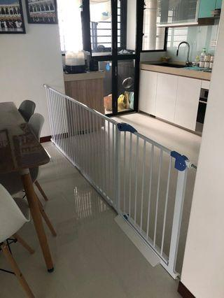 Auto-Closed Safety Gate [ALL BRAND NEW & INSTOCK]