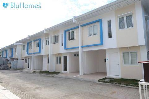 Property for Sale Walking distance to MRT 7 and Near SM Fairview