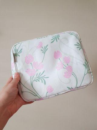 Cosmetic Pouch (further discount)