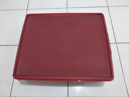 box tupperware