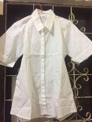 Kemeja putih baru