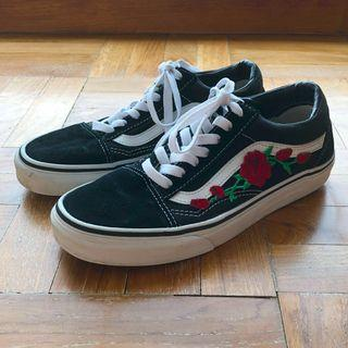 Vans Old Skool with Custom Roses EUR 38